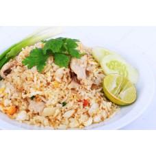 40.Khaw Phad  - gebakken rijst met broccoli, ui, bosui